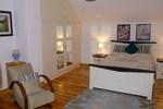 "Апартаменты Belan Lodge - Courtyard Accommodation,""The Francis Richard"""