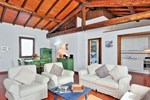 Pimpinnacolo Gardens - My Extra Home