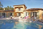 Апартаменты Four-Bedroom Holiday home Besse Sur Issole with an Outdoor Swimming Pool 03