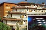 Отель Hotel Mina