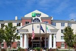 Отель Holiday Inn Express Hotel & Suites Charleston - North