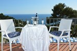 Апартаменты Capri Luxury Sea View Villa