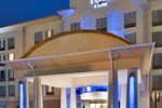 Отель Holiday Inn Express Hotel & Suites Fredericksburg