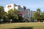 Отель Hampton Inn & Suites Raleigh-Cary I-40 (RBC Center)