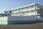 Отель Island Breeze Motel