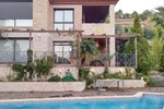 Апартаменты Four-Bedroom Holiday home Castelvell Del Camp with a room Hot Tub 02