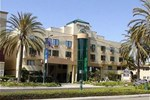 Отель Holiday Inn Express Anaheim Ma