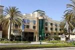 Holiday Inn Express Anaheim Ma
