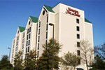 Отель Hampton Inn & Suites Jackson Coliseum