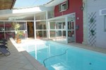 Ten-Bedroom Holiday home Orgon with an Outdoor Swimming Pool 02
