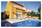 Four-Bedroom Holiday home Sant Pere Pescador with an Outdoor Swimming Pool 06