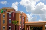 Отель Holiday Inn Express Hotel & Suites Brooksville-I-75