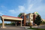 Отель Holiday Inn Express Hotel & Suites Detroit - Farmington Hills