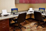 Отель Holiday Inn Express Hotel & Suites Merced