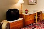 Отель Marmot Lodge Jasper