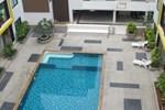 Апартаменты Ratchaporn Place Condominium Kathu