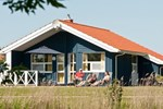 Апартаменты Three-Bedroom Holiday home in Otterndorf 5
