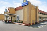 Отель Days Inn & Suites - Terre Haute