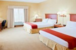 Отель Holiday Inn Express Hotel & Suites Woodbridge