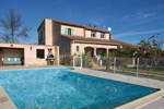 Two-Bedroom Holiday home Le Luc with an Outdoor Swimming Pool 07