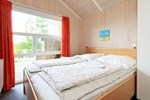 Апартаменты Three-Bedroom Holiday home in Otterndorf 9