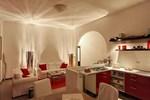 Casa bianca rossa viola