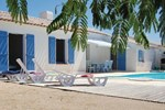 Three-Bedroom Holiday home St Jean de Monts with an Outdoor Swimming Pool 07