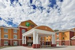 Отель Holiday Inn Express Hotel & Suites Kansas City Sports Complex