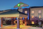 Отель Holiday Inn Express Hotel & Suites Manchester Conference Center