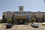 Отель Holiday Inn Express St. Paul Ne