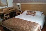 Отель Hotel Le Coureau