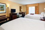Отель Hampton Inn & Suites Manchester
