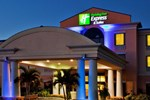 Отель Holiday Inn Express Lake Okeechobee