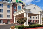 Отель Holiday Inn Express Tower Center New Brunswick
