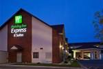 Отель Holiday Inn Express Hotel & Suites Watertown
