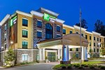 Отель Holiday Inn Express Hotel & Suites Clemson - University Area