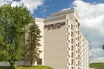 Отель DoubleTree by Hilton Pittsburgh - Meadow Lands