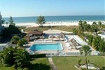 Отель Howard Johnson Beach Resort
