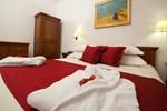 Отель Tisno