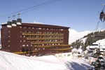 Отель Hôtels & Altitude Le Terra Nova