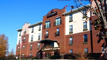 Castleberry Inn & Suites