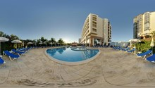 Ever Caparica Beach & Conference Hotel