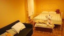 Royal Hostel 905