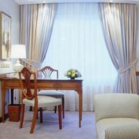 Izan Avenue Louise Hotel
