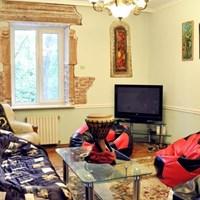 Trotter's Den Hostel