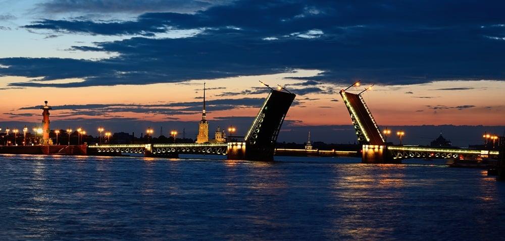 Петербургские мосты замерли до весны