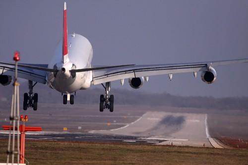 Авиабилеты за рубеж подешевеют в среду