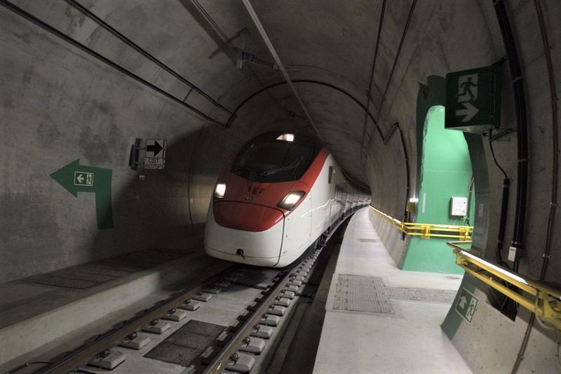 Новый тоннель сократит время в пути между Цюрихом и Лугано / Миланом с декабря