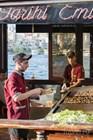 Приготовление бутербродов с рыбой в Эминеню
