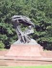 Памятник Шопену был восстановлен в 1957 году